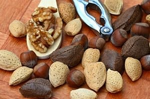 Almonds and Walnuts Good for Heart Health